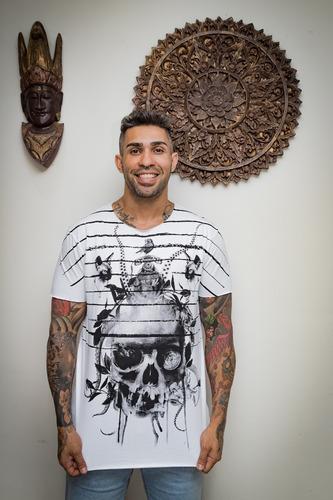 Camiseta Premium Estampada Dark Mind Corte A Fio