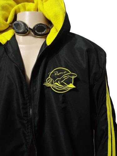 Imagem 1 de 4 de Roupão Atoalhado /natação Bordado Com Seu Logo Frente