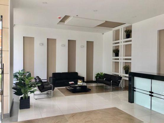Alquiler Oficina Santa Barbara Usaquen
