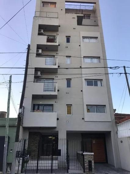 Venta Departamento 2 Ambientes Con Balcón, Apto Profesional, En Berazategui