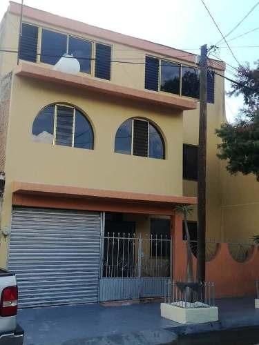 Casa En Venta En La Colonia Lagos De Oriente