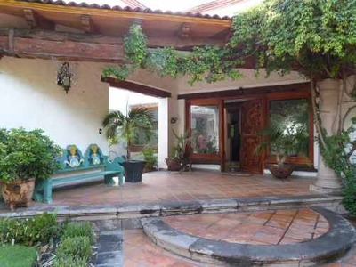 Casa En Venta De Un Nivel En Juriquilla