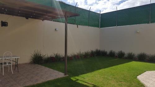 Renta Casa En Colinas Del Parque