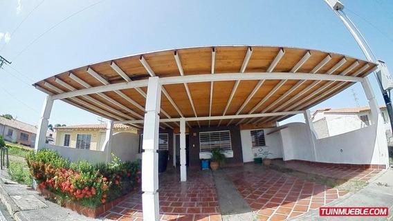 Casas En Venta En Lomas De Santa Sofia Araure, Portuguesa