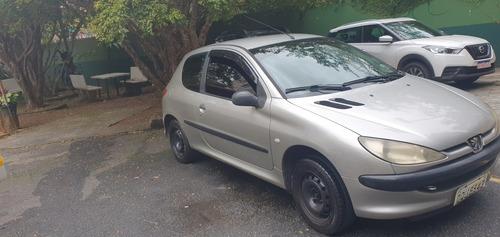 Imagem 1 de 12 de Peugeot 206 2006 1.4 Sensation Flex 3p