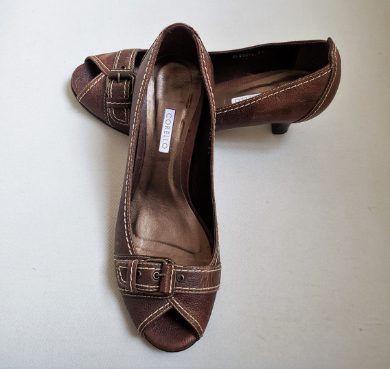 Sapato Peep Toe Em Couro Corello