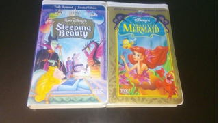2 Películas De Disney Vhs La Sirenita Y La Bella Durmiente