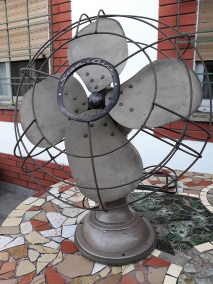 Ventilador Antiguo Siam, Funcionando