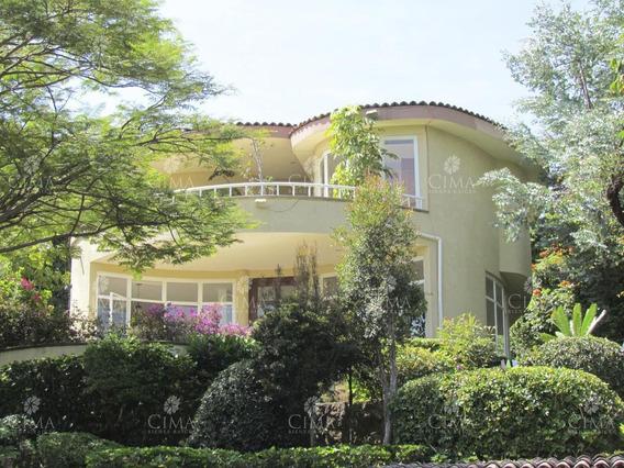 Venta Casa Moderna Con Vista Y Alberca En Cuernavaca - V72