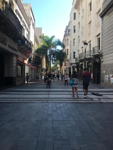 Excepcional Local Calle Sarandí Y Bartolome Mitre