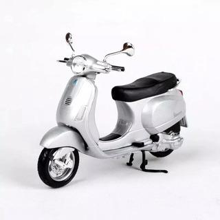 Miniatura Moto Vespa Modelo Xl125 1984 Prata Maisto 1:18