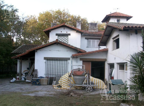 Casa / Local En Alquiler. Punta Chica