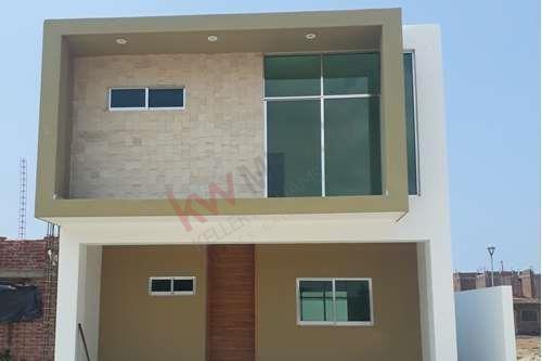 Casa Nueva En Venta Con 3 Recamaras En Veredas Jardin Residencial En Mazatlan, Sin