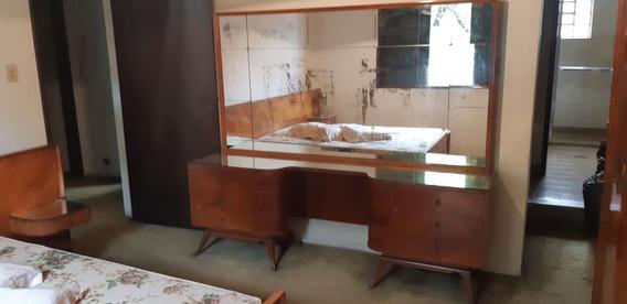 Moveis Antigos(relíquia) Armário,cama,penteadeira .