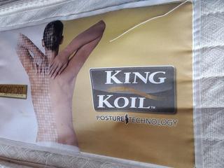 Somier Con Colchón Resorte King Koil 1.40 X 1.90 Como Nuevo