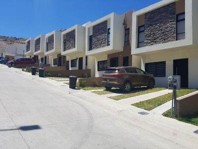 Casa Sola En Venta Valle Del Sur 2