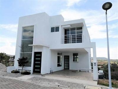 Venta De Casa Nueva En Haras Del Bosque, Fraccionamiento Farasi