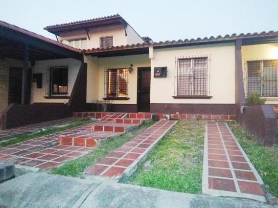 Casa En Alquiler Cabudare 20-11561 Jm