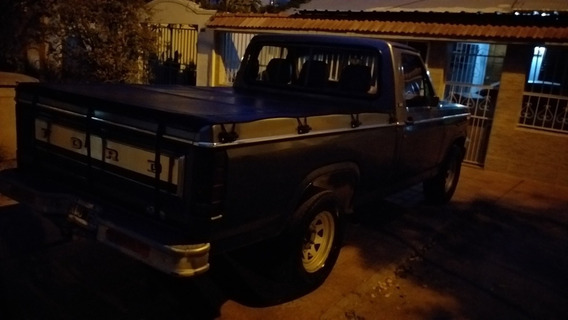 Ford F-100 Delux