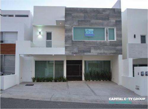 Estrena Hermosa Casa En Residencial Privado Lomas De Juriquilla