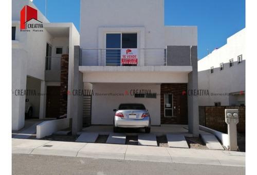 Casa En Venta En Rinconadas 6, Chihuahua, Chihuahua