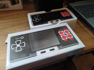 Consola Portátil 8 Bits 200 Juegos