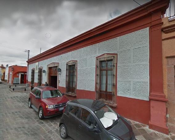 Casa Antigua En Venta En El Centro De Querétaro Con Uso De Suelo Comercial Recién Remodelada