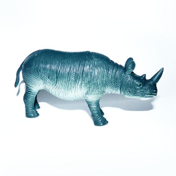 Rinoceronte De Plastico