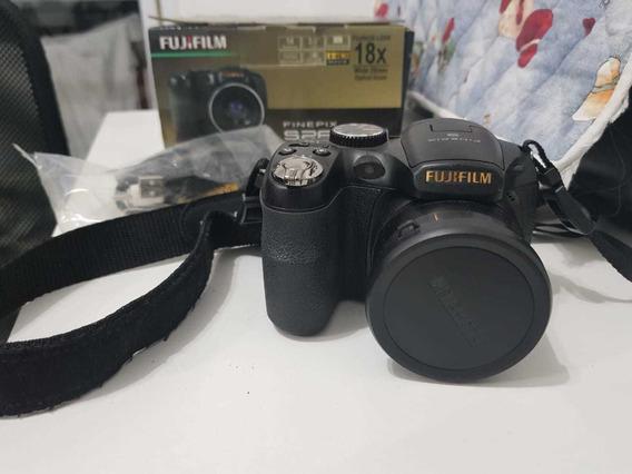 Câmera Fujifilm Finepix S2800 Hd
