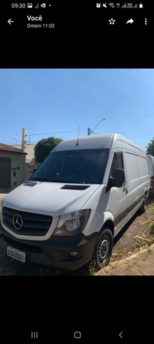 Imagem 1 de 4 de Mercedes