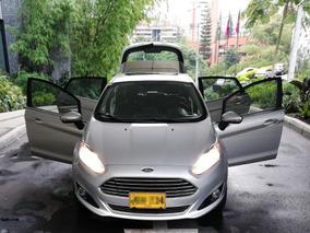 Ford Fiesta Titanium 2017 Excelente Estado