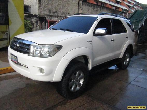 Toyota Fortuner Sr