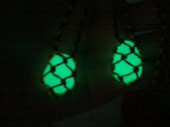 Colar De Pedra Castroada, Que Brilha No Escuro.