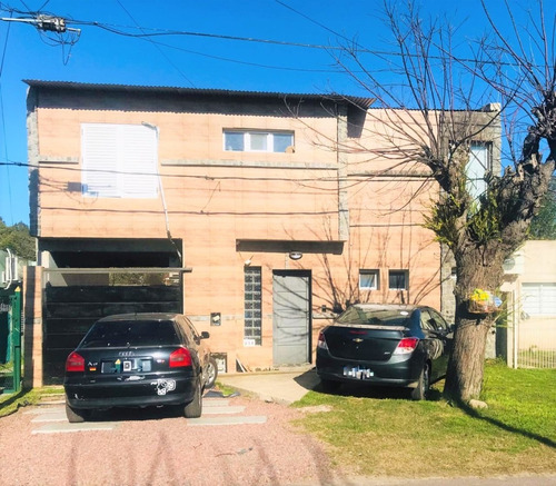 Casa En Villa Elisa 3 Dorm. Cochera Pasante Y Quincho