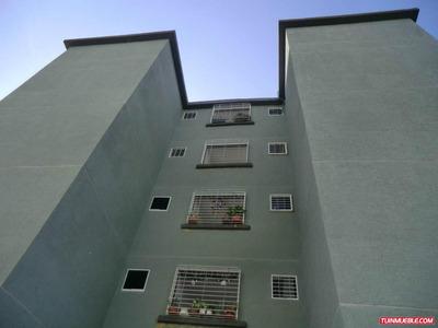 Apartamentos En Venta En Guatire La Sabana- Ip 17-4926