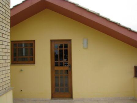 Casa Em Cavalhada Com 3 Dormitórios - Mi11361