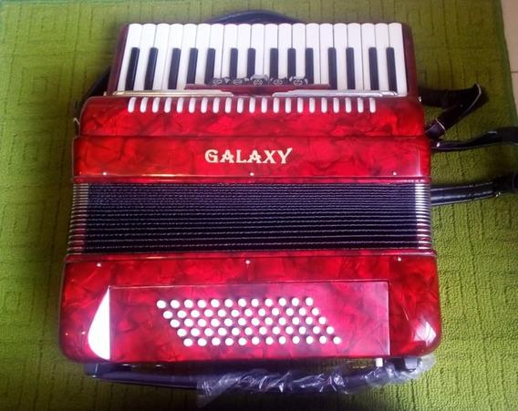Acordeon Americano Galaxy Usa Rojo Con Estuche Caja Nuevo