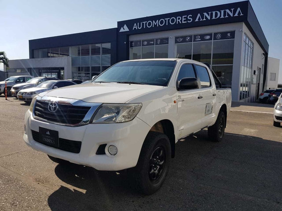 Toyota Hilux Doble Cabina Mecánica 2012 2.5 4x4 134