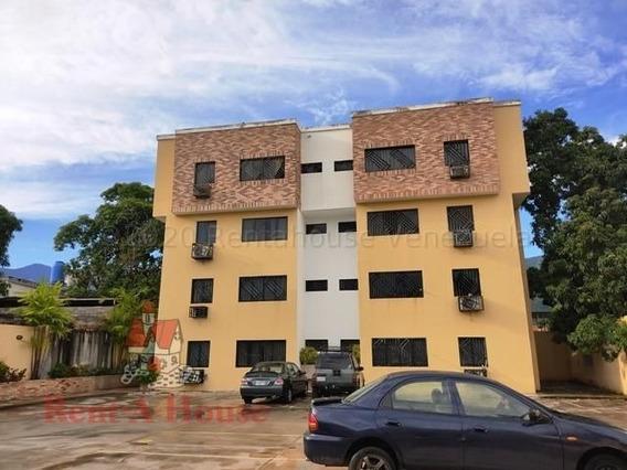 Apartamento En Venta El Limon Maracay Rah # 20-24605 Pm
