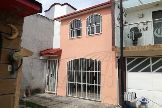 Casas En Venta En Los Sauces Iii, Toluca