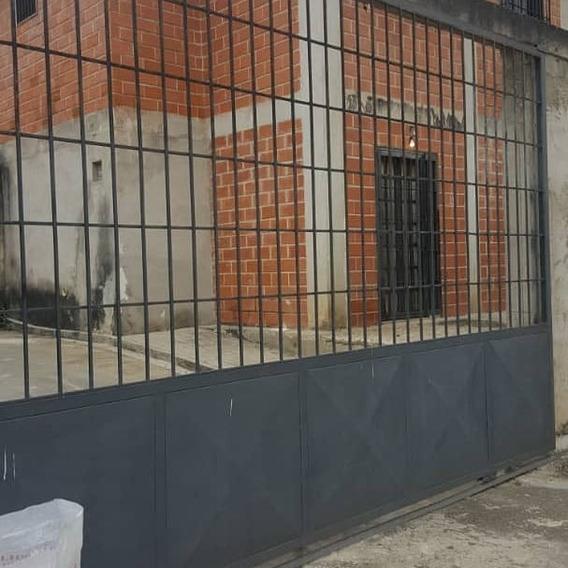 Se Vende Towhouse En Los Teques Urb Valle Alto