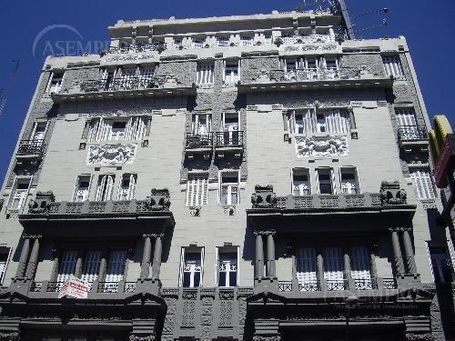 Oficina En Once Sobre Av. Corrientes.