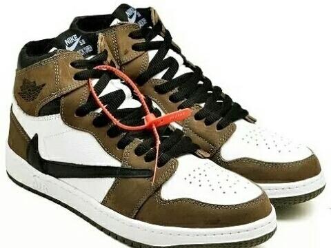Tênis Nike Air Jordan 1 X Travis Scott