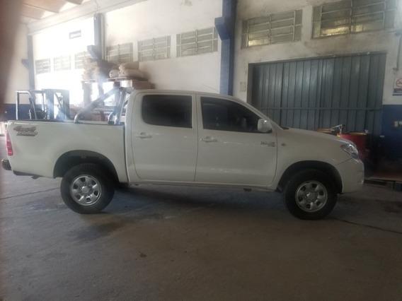 Toyota Hilux 2011