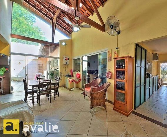 Uma Bela Casa Amarela, No Reino Do Garcia Pra Quem Quer Espaço E Praticidade. - 6002420