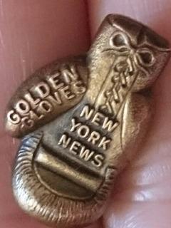Pin Conmemoración Box Guante De Oro New York