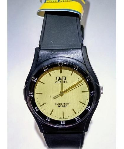 Relógio Q&q Preto Fundo Dourado Pulseira Borracha Vq04j001y