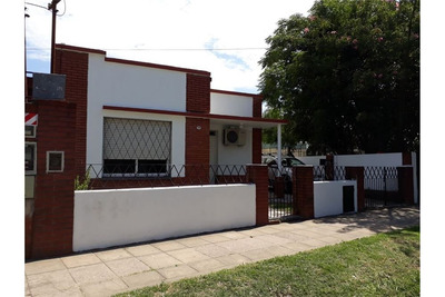 Casa 3 Ambientes Villa Tesei.