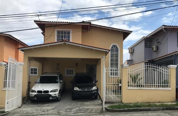 Casa Venta En Villa Zaita Praderas De Rocio #19-7354hel**