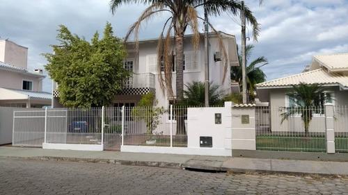 Casa 03 Dormitórios Sendo 01 Suíte No Bairro Carianos Em Florianópolis - 4029